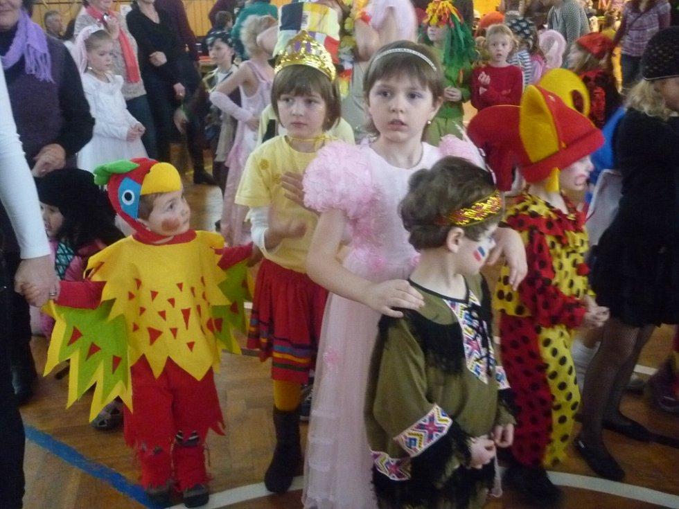 Karnevalový rej ovládli piráti. Ale nejen ti