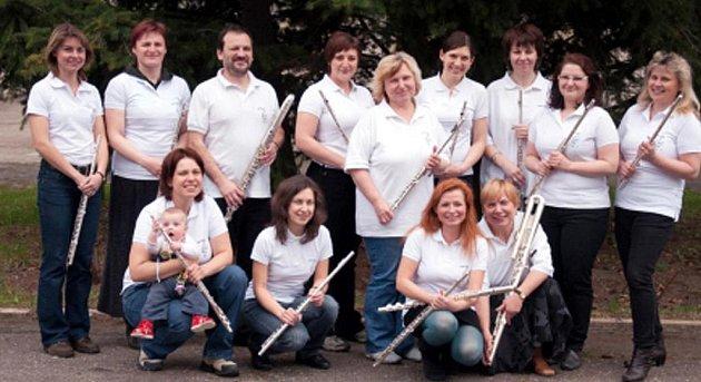 Učitelé příčné flétny z celé republiky míří do kostelíku