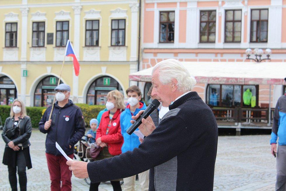 Poslední demonstrace se uskutečnila na Starém náměstí na konci dubna. Foto: Deník/Jana Kotalová