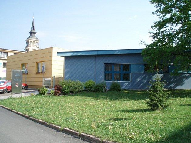 Konečný domov našla bibliotéka až v roce 2002 po přestavbě již nepoužívaného výměníku tepla .