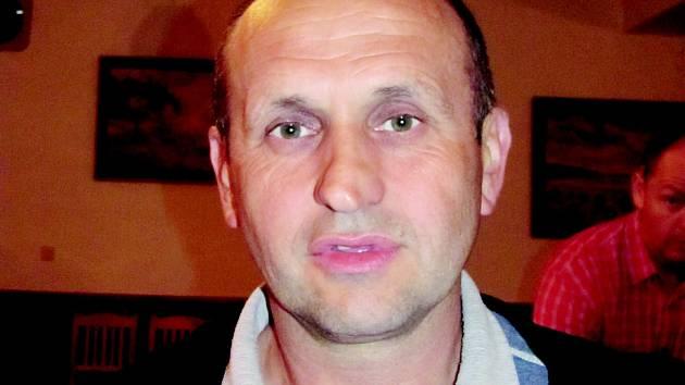 Nový Hrádek vyhrál v roce 2011, jeho starosta ZDENĚK DRAŠNAR prozradil, podle jakých kritérií uděluje porota stuhy i jak hlasování probíhá.