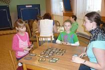 Nechat se zasvětit do tajů hry Dominion, mohli zájemci v Domě dětí a mládeže v Týništi nad Orlicí