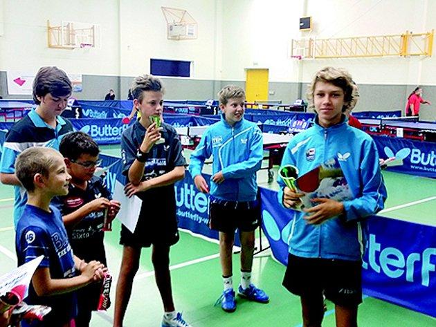 Prvenství na turnaji v Hostinném vybojoval v kategorii starších žáků Vojtěch Viesner z SK Dobré.