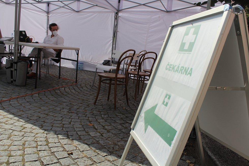 Z páteční první zastávky mobilního očkovacího týmu v kraji - ve Vamberku.