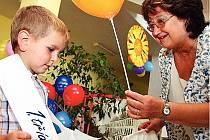 ZÁKLADNÍ ŠKOLA MASARYKOVA v Rychnově nad Kněžnou připravila pro žáky prvních tříd slavnostní přivítání.