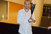 Dětský lékař Lukáš Trejtnar vyhrál spolu s Českým národním fotbalovým týmem lékařů titul mistra světa ve španělské Barceloně.