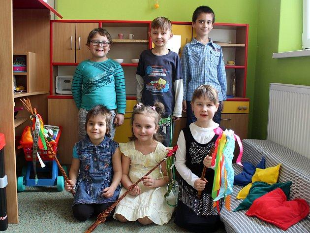 Třída Stromečková: Lukášek, Daneček, Matýsek, Anička, Jiřinka, Natálka.