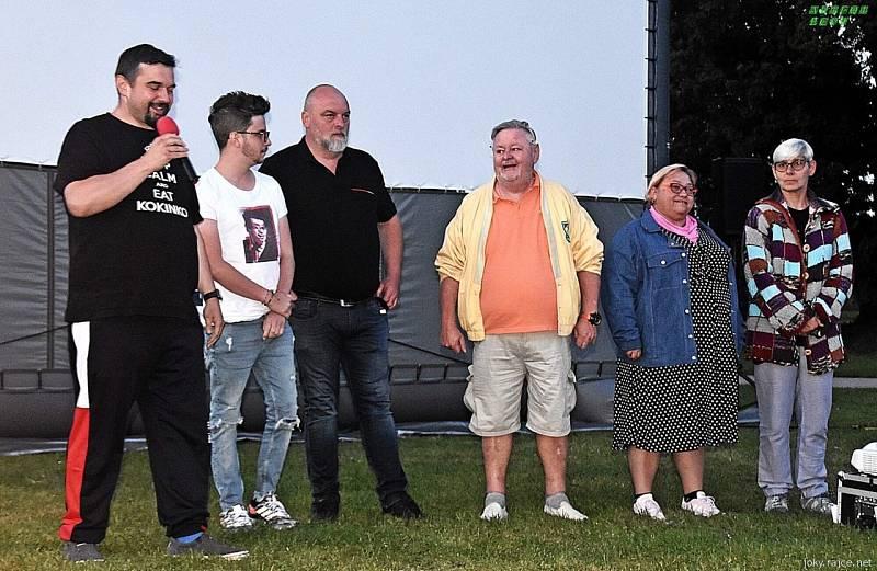 Promítání filmu Stáří není pro sraby v Houdkovicích.