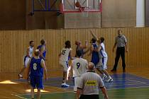 Basketbalový zápas playoff  Rychnov n. K. vs Přelouč.