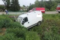 Při nehodě dodávky se zranili dva lidé.