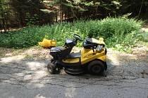 Havárie zahradního traktůrku v Liberku.