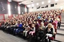 Tříkráloví koledníci v dobrušském kině.
