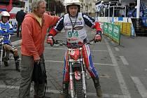 Karel Veyr se chystá vyrazit na trať úvodního podniku mistrovství Evropy v trialu nad 40 let v Itálii.