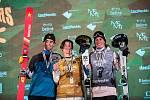 Alexander Hall, Birk Ruud a Antoine Adelisse na Soldiers - FIS finále Světového poháru v Big air v Deštném v Orlických horách.