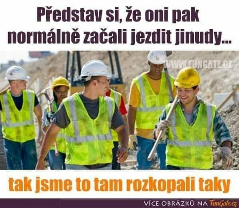 Kumulace stavebních prací na silnicích v tomto regionu přidělává starosti motoristům, ale je i živnou půdou pro humorné příspěvky na sociálních sítích.