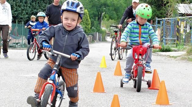 V Solnici se loučili s létem na kole i koloběžce.
