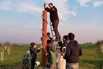 Kříž vyrobil Michal Jouda z Opočna jen tak pro radost.