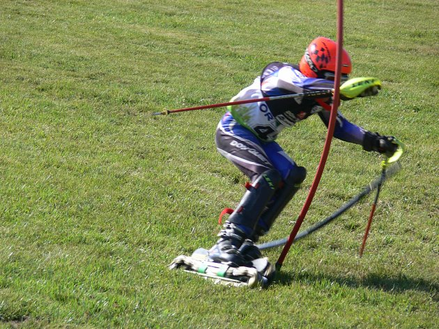 Travní lyžaři míří do Olešnice, žáky čekají mezinárodní souboje