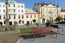 Mariánský sloup je dominantou náměstí v Týništi.