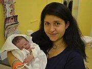 VALENTÝNKA  se narodila 14. října v 16:35 mamince Dominice a tatínkovi Davidovi z Dlouhé Vsi. Holčička vážila 2980 gramů a měřila 48 cm. Tatínek byl u porodu mamince skvělou oporou. Doma už se na mladší sestřičku těšila starší Adélka.