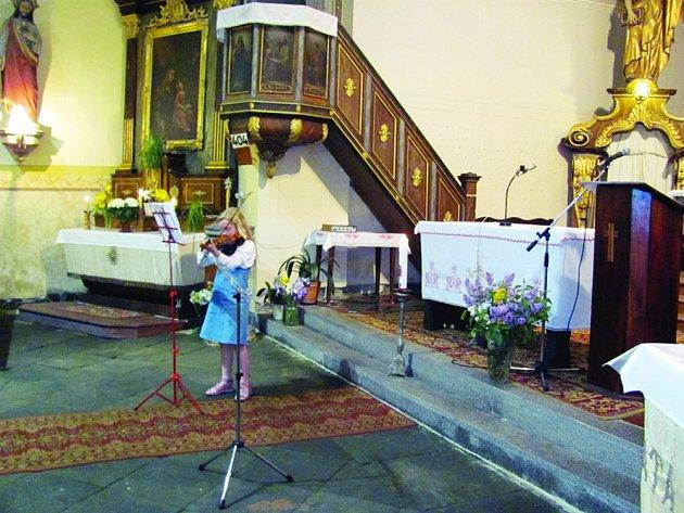 Kostel sv. Jakuba se otevřel v noci veřejnosti, návštěvníci se podívali i tam, kam normálně ne.