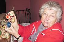 Marie Procházká z Hradce Králové zdobí kraslice celý život.