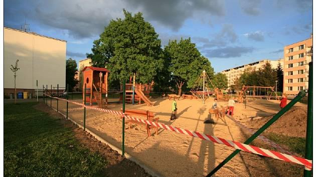Týniště nad Orlicí: nové dětské hřiště.