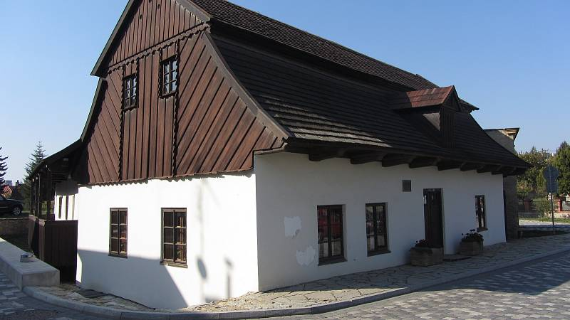 Rodný domek F. V. Heka v Dobrušce.