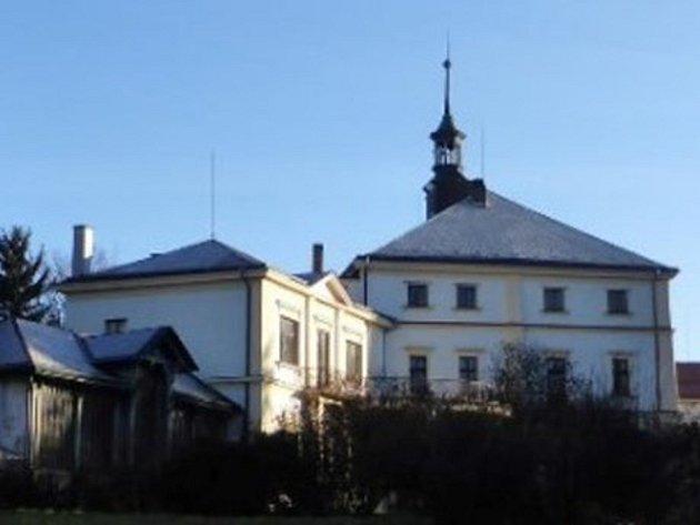 Zámek v Kvasinách.