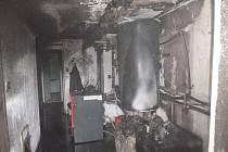 Při požáru kotelny se popálil majitel domu.