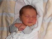 VIKTORIE TULACHOVÁ přišla na svět 15. prosince 2018 ve 2.57 hodin. Holčička vážila 3 200 g a měřila 49 cm. Tatínek Tomáš Tulach byl mamince Kateřině Světlíkové u porodu oporou. Rodina žije v Dobrušce.