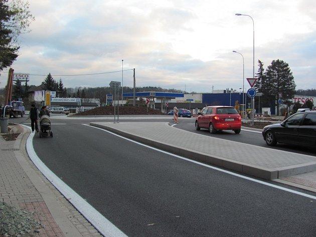 Nová křižovatka v Rychnově.