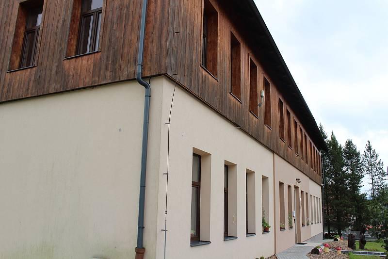Škola v Orlickém Záhoří.