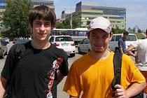 Těsně před odjezdem J. Krejčík (vlevo) a M. Rychtařík.