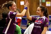 Doberské stolní tenistky Terezie Sazimová a Pavla Bačinová vybojovaly na MČR družstev starších žákyň páté místo.