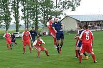 Desáté jarní vítězství oslavili fotbalisté Dobrušky, když uspěli v derby v Ohnišově.