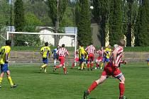V mistrovském utkání fotbalové III. třídy porazila Dobruška B přepyšskou rezervu 5:2.