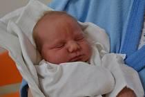 JAKUB DUDEK  se narodil 25. dubna ve 14:14 manželům Petře a Filipovi Dudkovým z Kamenice u Dobrušky. Chlapeček vážil 4100 gramů a měřil 52 cm. Tatínek porod zvládl skvěle. Na nejmladšího člena rodiny už se doma těší bráška Matěj.