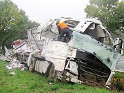 Havárie nákladního automobilu v Dobrušce.