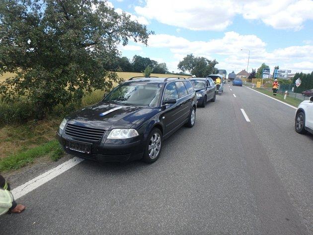 Dopravní nehoda čtyř osobních automobilů vJeštěticích.
