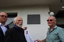 Odhalení pamětní desky se uskutečnilo 20. července 2021 u příležitosti připomínky 80. výročí jeho sestřelení nad Hannoverem.