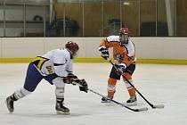 Pět kol má za sebou Rychnovská hokejová liga neregistrovaných hráčů.