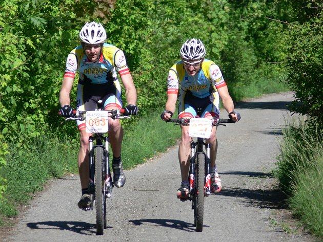 V neděli běžce vystřídali bikeři, které čekal čtvrtý díl seriálu amatérského cyklistického Dobrušského poháru, jímž byl závod XC MTB Mělčany – Maršálek jízdní kola.