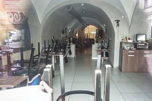 V restauraci penzionu U Zvonu v Rychnově nad Kněžnou došlo k vraždě.