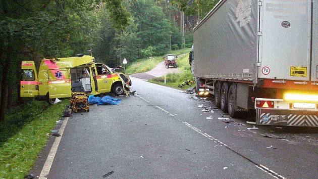 Na silnici smrti došlo k mnoha osudovým nehodám, i ke srážce sanity s nákladním vozidlem. To byla jedna z tragických nehod během  kritického roku 2011.
