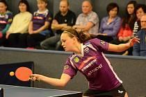 HRDINKA DNE. Daniela Rozínková (na snímku) v rozhodujícím třetím čtvrtfinále play off podala vynikající výkon a dvěma výhrami zavelela k postupu doberského týmu.