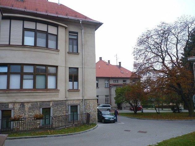 Areál nemocnice v Opočně.