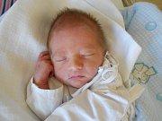 Jonatan Vašíček se narodil 27. prosince 2018 v 05.41 hodin s váhou 2 690 g a délkou 47 cm. Z miminka se těší Magdaléna a Michal Vašíčkovi z Bystrého a sourozenci Dan a Elenka. Tatínek to u porodu zvládl na jedničku.