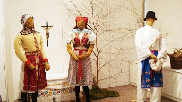Výstava v Muzeu krajky ve Vamberku s názvem Krajka a kroj aneb z Vamberka až na Slovácko.