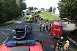 Záchranáři zasahovali u nehody auta a tříkolky.